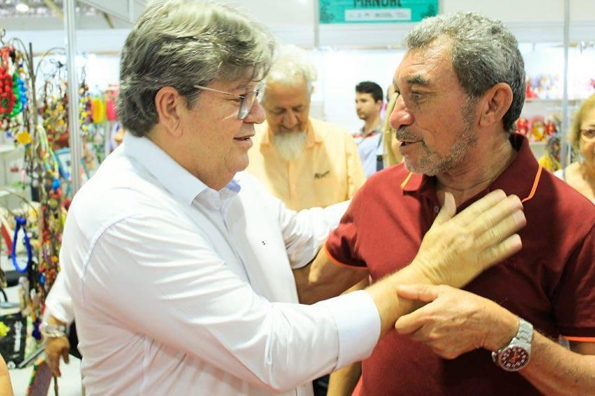 Prefeito André esteve em João Pessoa visitando o Salão de Artesanato da Paraíba
